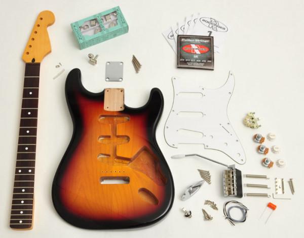 Premium Strat® Style Kit, 3-Tone Sunburst, ohne Pickups