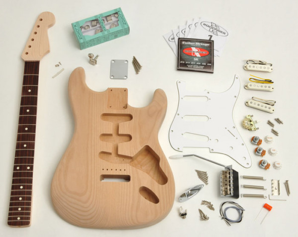 Premium Plus Strat® Style Kit, unlackiert